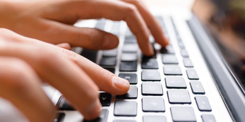 Scorciatoie da tastiera: come scrivere le maiuscole accentate su WINDOWS e su MAC?